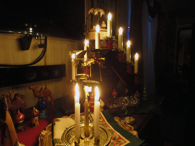 battery operated christmas window candles